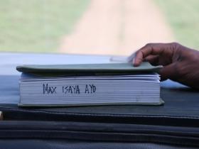 001Maxbook.JPG